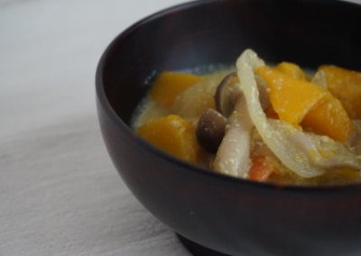 としめじのお味噌汁 Miso soup with pumpkin and Shimeji ...