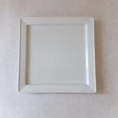 最初の一枚、白磁のススメ <br>White porcelain as the first tableware
