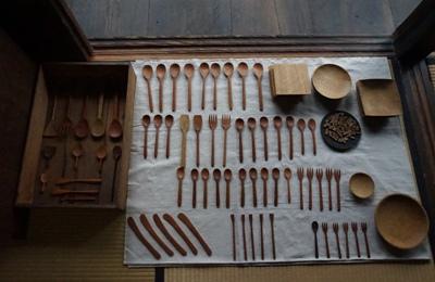 三宅木工房さんの茶さじと丸皿 <br>Tea spoon and round plate by Miyake Woodcraft Studio