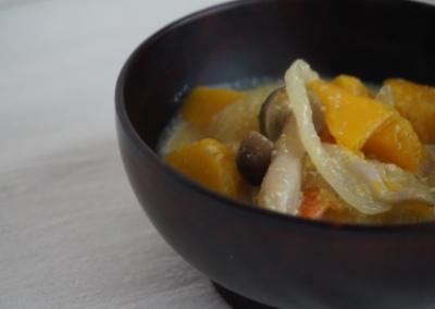 かぼちゃとしめじのお味噌汁 <br>Miso soup with pumpkin and Shimeji mushroom